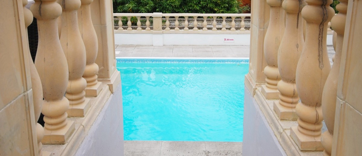 <strong>Heated</strong> swimming pool